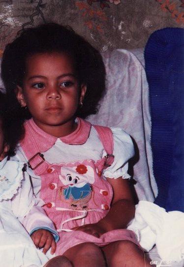 Com uns 5 anos de idade